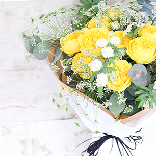 幸せの黄色いバラの花束