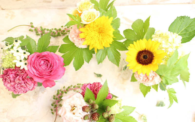 ピンクと黄色の可愛いミニブーケ4種類