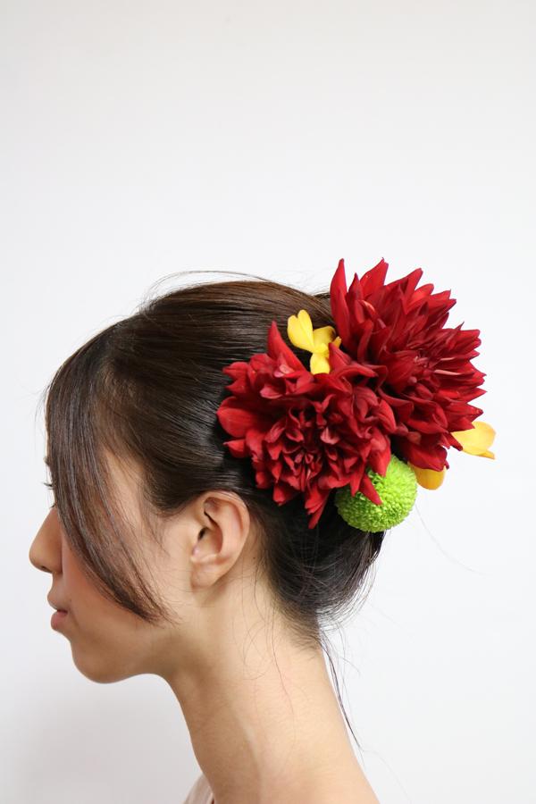 熱唱とモカラの花嫁髪飾り
